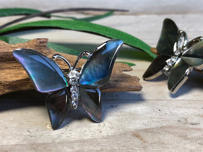 broche vlinder paua 'Black Pearl'