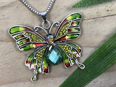 ketting hanger vlinder zilverkleur groen