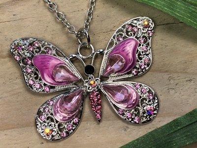 ketting hanger vlinder zilverkleur roze