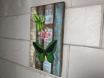 schilderij vlinder sloophout 25x40cm