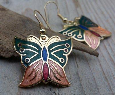 oorbellen vlinder emaille goudkleur