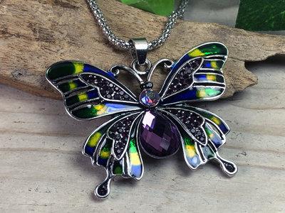 ketting hanger vlinder zilverkleur paars