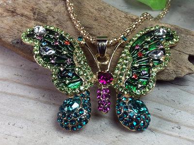 ketting hanger vlinder goudkleur groen