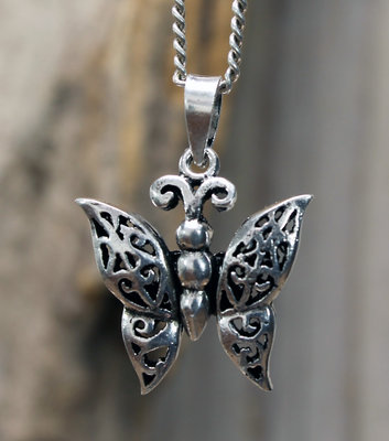 hanger vlinder zilver 19 x 21 mm