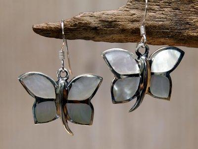 oorbellen vlinder zilver parelmoer