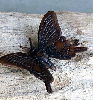 vlindertje staand brons bruin 7 x 5 cm