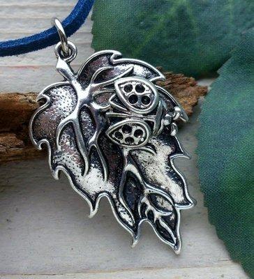hanger lieveheersbeestje op blad zilverkleur
