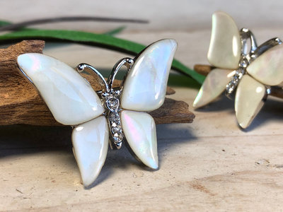 broche vlinder parelmoer