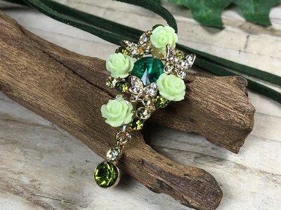broche + hanger vlindertjes+roosjes groen