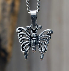 hanger vlinder zilver 16 x 17 mm