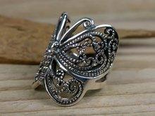 ring met vlinder